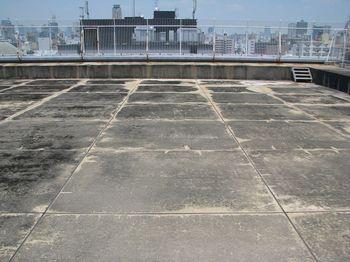 屋上プール跡.jpg