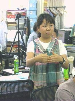日本橋まちづくりワークショップ・発表する学生.jpg